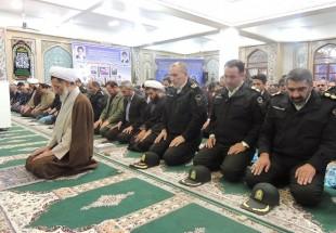 نماز وحدت در شهرکرد اقامه شد
