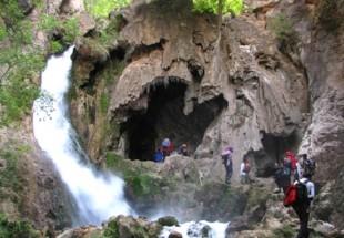 مکانهای تاریخی و طبیعی شهرستان لردگان میزبان گردشگران نوروزی+ تصاویر